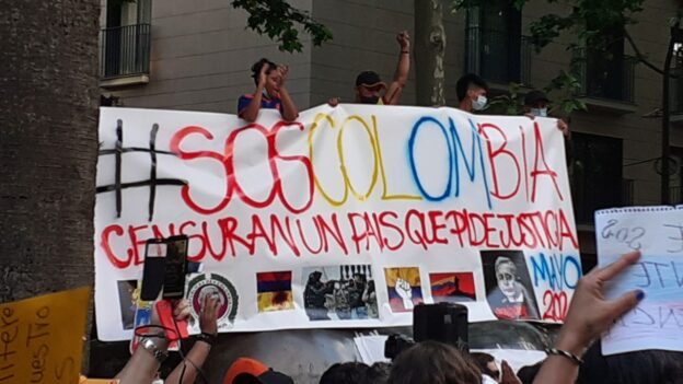 Vecinas de l'Hospitalet se movilizan contra la represión de las protestas en Colombia